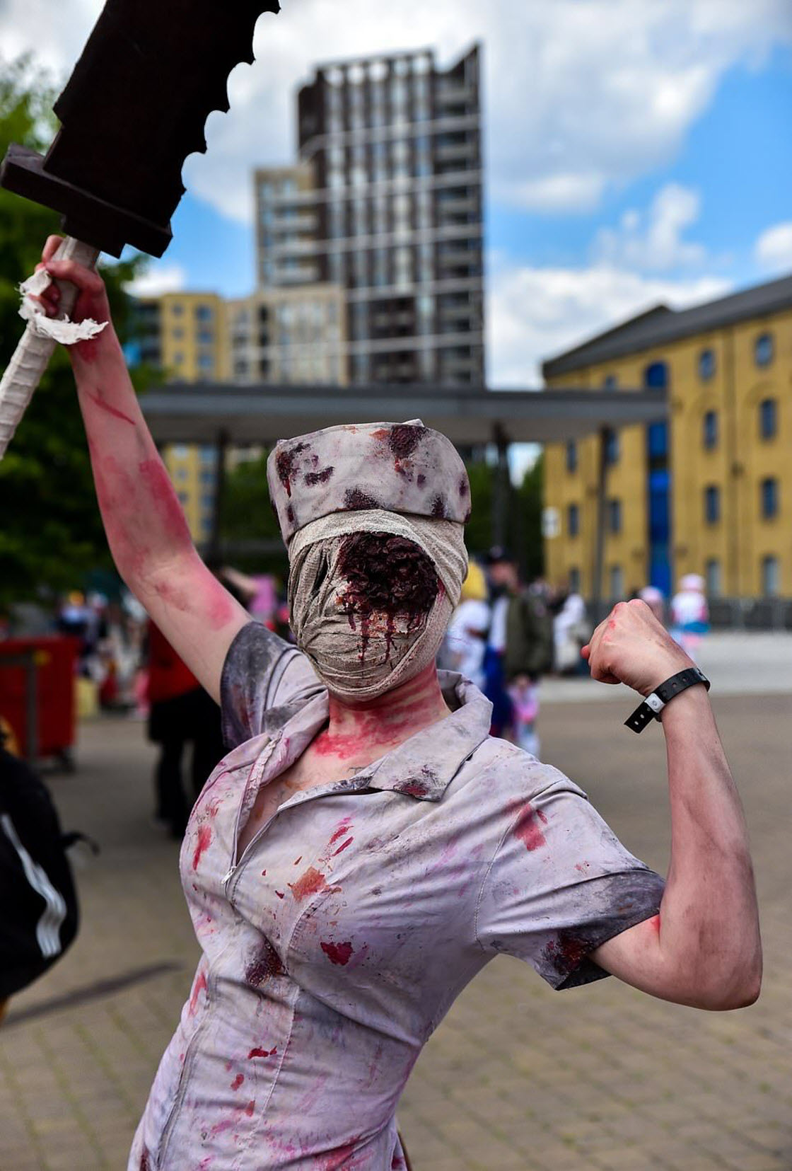 Тысячи поклонников косплея собрались в Лондоне на Comic Con праздник,фестиваль,игры,косплей,костюмы,наряды,поклонники,сериал,фильмы