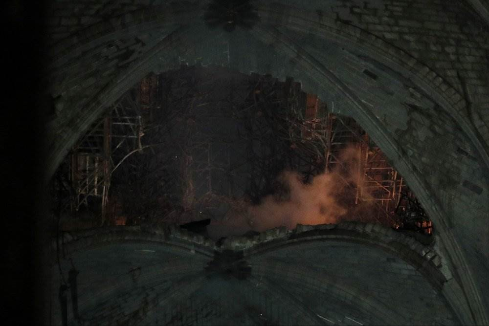 Пожар в соборе Парижской Богоматери 15.04.2019 новости в фотографиях, 2019, апрель, видео, новости, париж, пожары, фото, франция