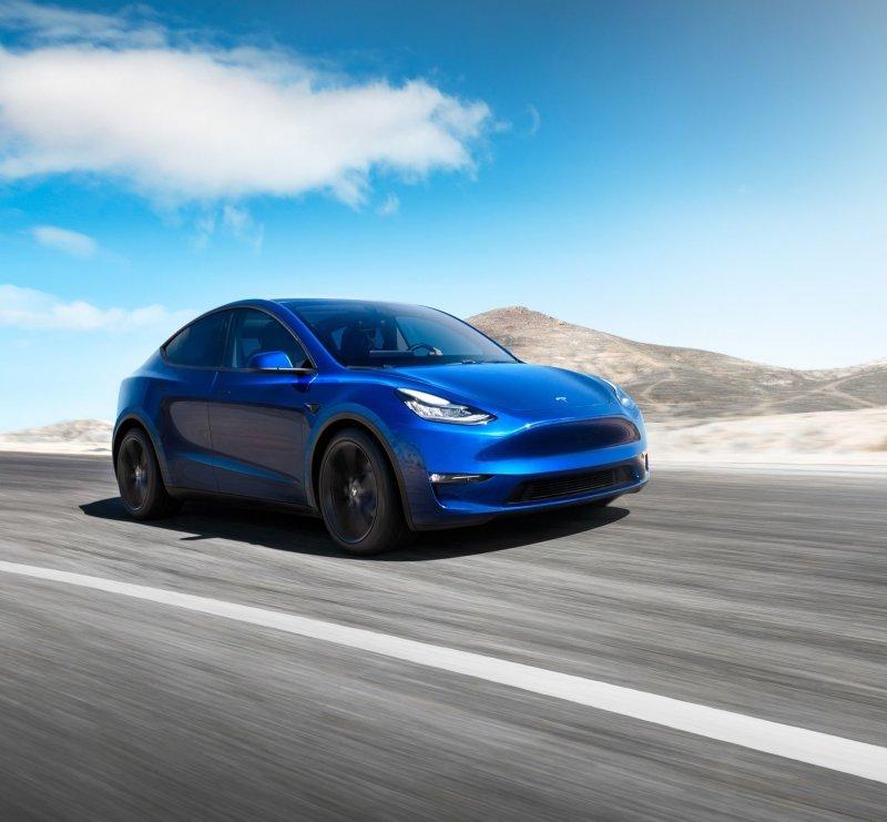 От Lada до Tesla: какие модели можно превратить в пикап авто
