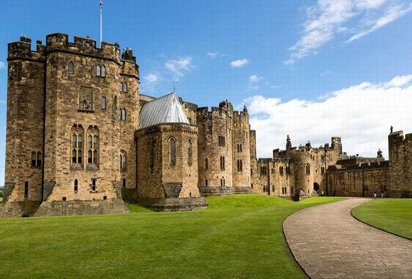 10 замков, увековеченных в кино Интересное