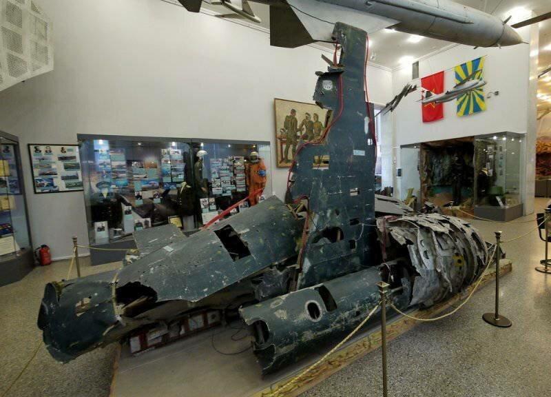Трудный день для мистера Пауэрса. U-2 над Советским Союзом Интересное