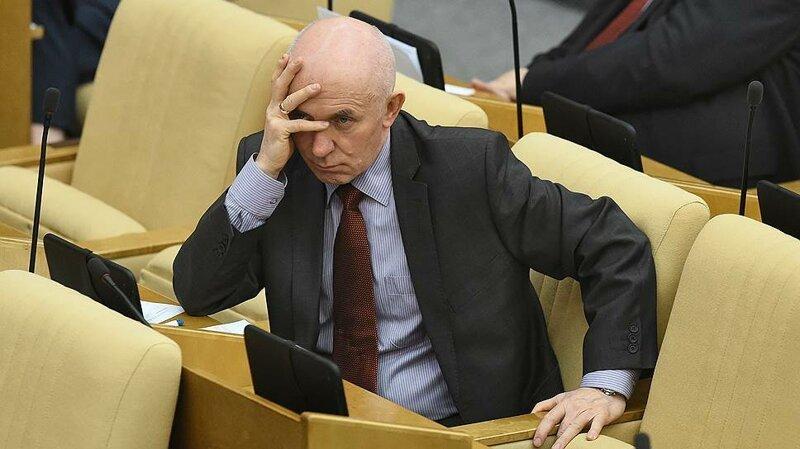 Депутат Госдумы собирается запретить СМИ писать о знаменитостях   Интересное