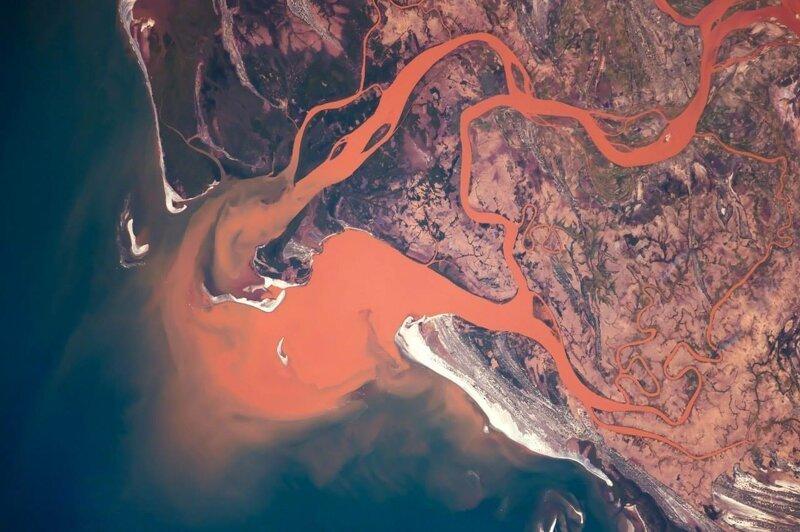 Топ кровавых рек мира   Интересное