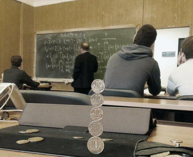 Что на самом деле вытворяют современные студенты на лекциях   Интересное