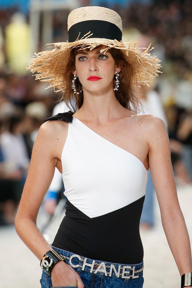 Пляжная мода 2020 - подборка стильных образов от дизайнеров на любой вкус аксессуары,лучшее,мода,модные советы,модный обзор,Наряды,образ,тенденции