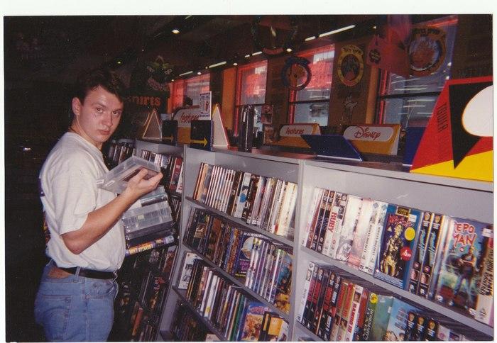 Ностальгии пост: как кассеты VHS навсегда ушли в прошлое, но остались в наших сердцах vhs,мир,ностальгия,пленка,прошлое,фильмы,фото