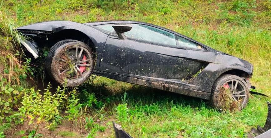 Российский механик Артур Туссик восстанавливает сильно поврежденный в ДТП Lamborghini Gallardo авто,авто и мото,автоновости
