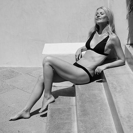 Гвинет Пэлтроу снялась в рекламе новой коллекции купальников своей ЗОЖ-компании Экстерьер