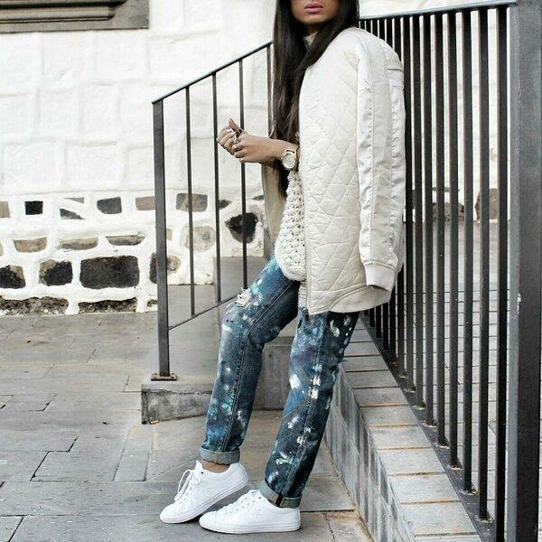 На пике моды 2019 джинсы бойфренды!