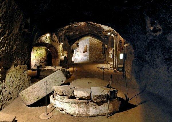 Город под землей на 20 тысяч человек и другие подземные постройки