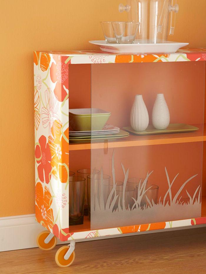 6 идей обновления мебели с помощью остатков обоев декор,интерьер и дизайн,обои