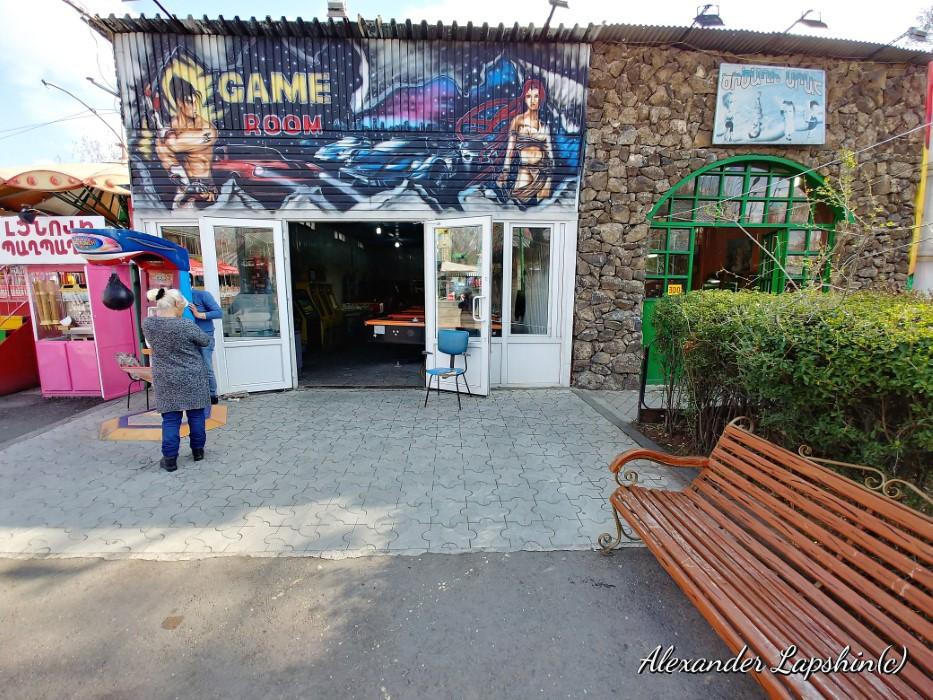 Живой музей советских аттракционов под открытым небом в Армении в деталях