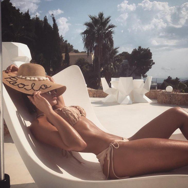 Модель Паола Каньяс - Девушка Дня